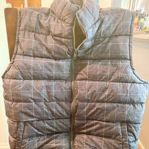 GAP men's Large Plaid Gray Puff Vest